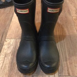 hunter rain booties!